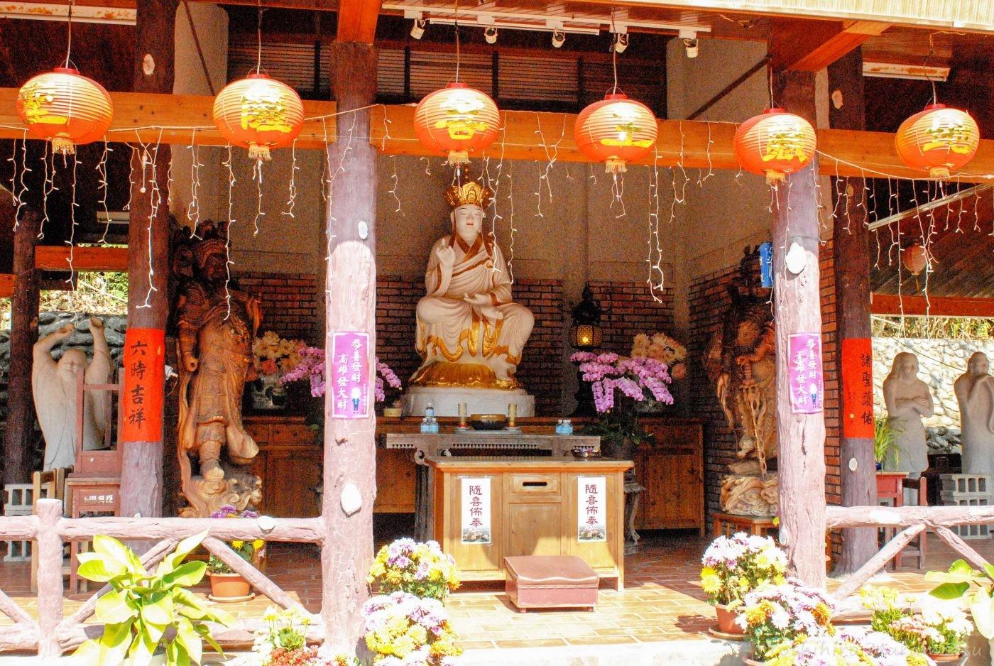 台湾のお寺の仏像